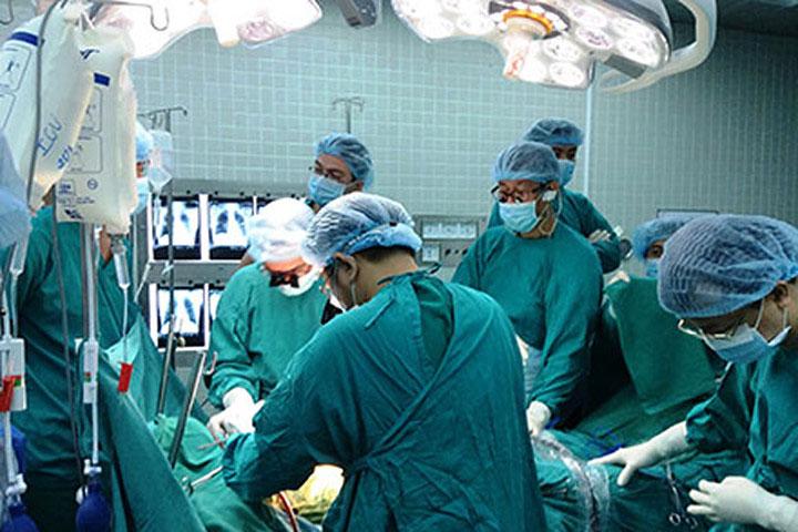 Ghép thận cần rất nhiều yếu tố và phải theo dõi bệnh nhân sau ghép thận rất kỹ.