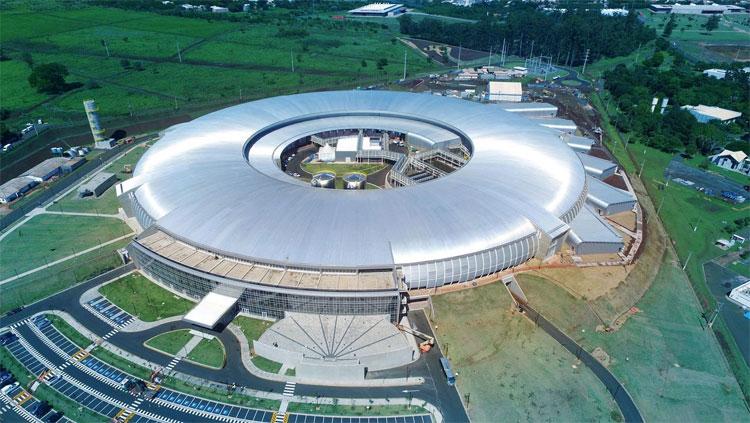 Máy gia tốc hạt Sirius rộng tương đương sân vận động Maracana.