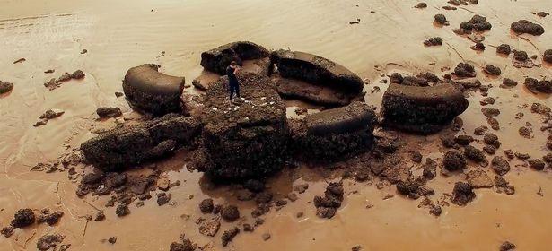 Tàn tích cổ xưa ở bờ biển phía bắc Cadiz, được cho là của thành phố huyền thoại Atlantis.