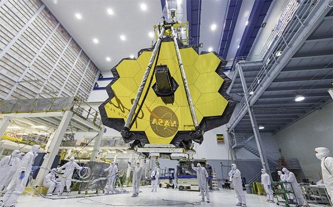 Kính thiên văn James Webb