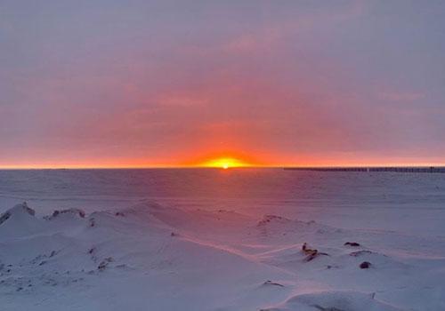 Mặt Trời mọc hôm 16/11, trước khi đêm vùng cực diễn ra.