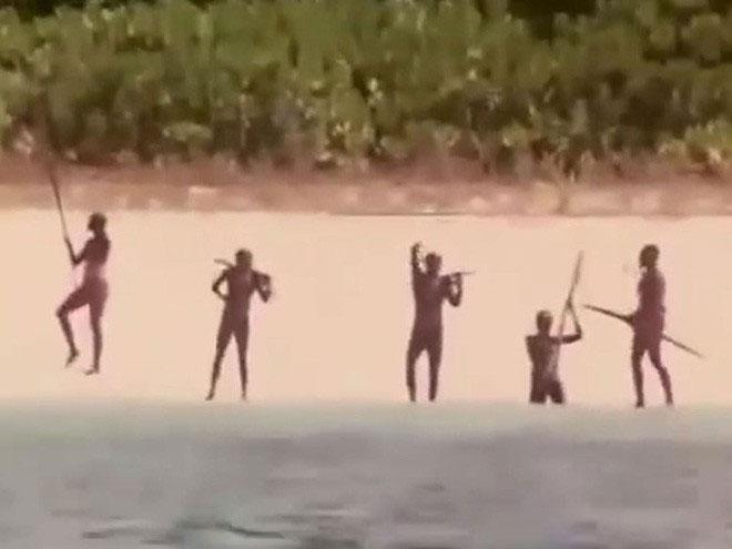 Bộ lạc trên đảo Sentinel.