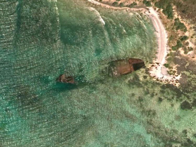 Vụ tai nạn tàu chở hàng năm 1981, các thủy thủ may mắn không bị người trên đảo này tấn công.