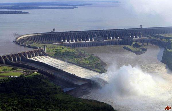 Hình ảnh đập thủy điện tại Brazil