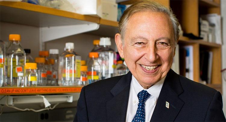 Hiện nay, ở tuổi 81, nhà khoa học Gallo vẫn tiếp tục làm việc.