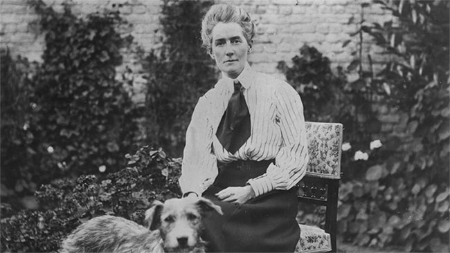 Edith Cavell (4/12/1865 - 12/10/1915).