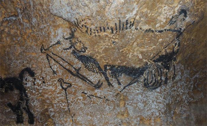 Những bức tranh khắc cổ trên hang đá cổ đại chính là biểu tượng của các chòm sao.