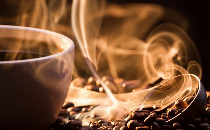 Mùi cà phê nhẹ nhàng dường như được kích thích thần kinh và đạt điểm số cao hơn.