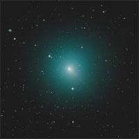 Sao chổi xanh sáng nhất bầu trời lao về phía Trái đất
