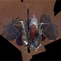 Bức ảnh tự sướng đầu tiên của tàu NASA trên sao Hỏa