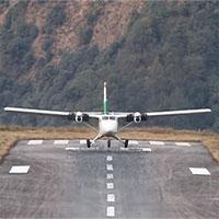 """Màn hạ cánh tại """"sân bay nguy hiểm nhất thế giới"""""""