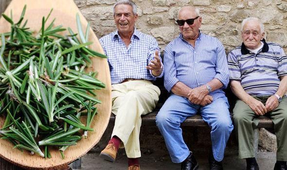 Hương thảo là một loài thực vật có hoa trong họ Hoa môi được cho là yếu tố liên quan đến tuổi thọ của người dân.