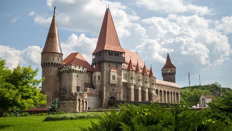 Lâu đài Corvin ở Romania.