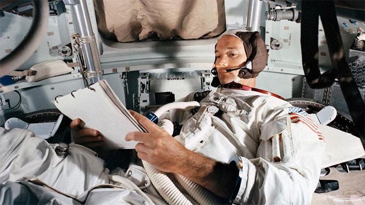 Michael Collins, phi hành gia thứ 3 của sứ mệnh Apollo 11, đã không bao giờ được đặt chân xuống Mặt Trăng.