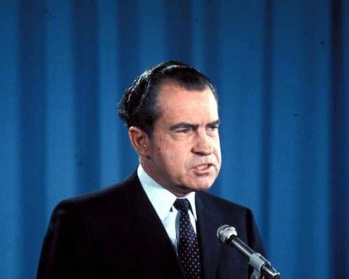 Tổng thống Nixon đã chuẩn bị sẵn bài diễn văn và chuẩn bị tinh thần cho người nhà của các phi hành gia.
