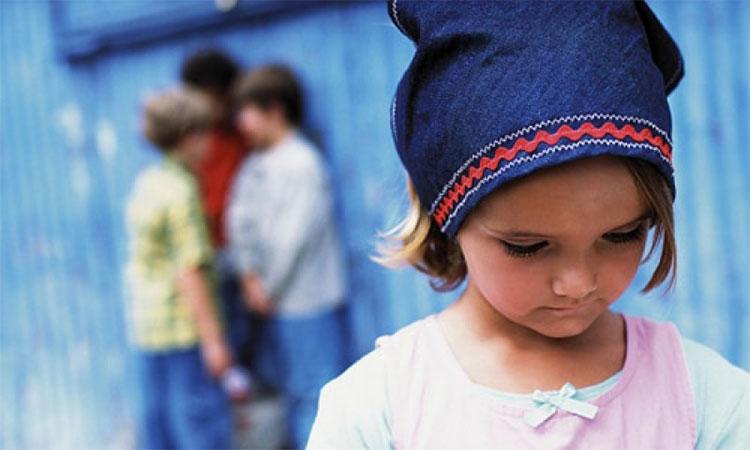 Nạn nhân bị bắt nạt ở trường liên tục trong thời gian dài có thể bị ảnh hưởng đến sức khỏe tâm thần.