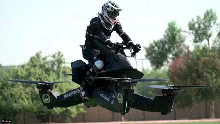 Mẫu xe cất hạ cánh thẳng đứng đang được cảnh sát Dubai sử dụng để luyện tập.