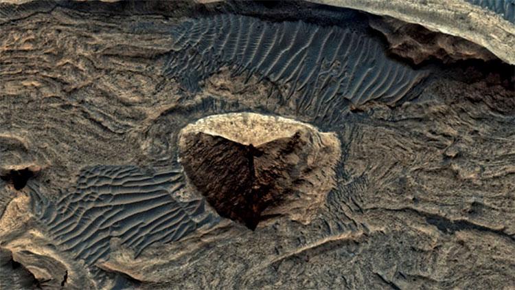 Bức ảnh bề mặt sao Hỏa được tàu MRO chụp cách đây hơn 10 năm bằng camera HiRISE.