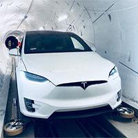Elon Musk ra mắt đường hầm đầu tiên của Boring Company, đích thân ngồi xe Tesla đi thử