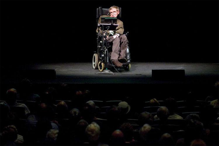 Giáo sư Hawking đã dành cả một đời để giải mã các bí ẩn của vũ trụ.