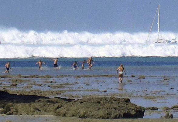 Sóng thần khủng khiếp ở khu vực Ấn Độ Dương năm 2004