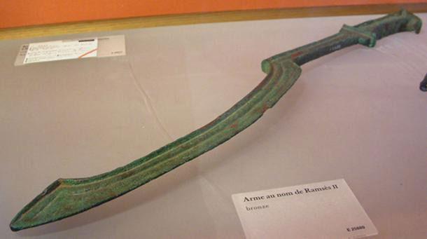 Thanh kiếm Khopesh thời Ai Cập cổ đại.