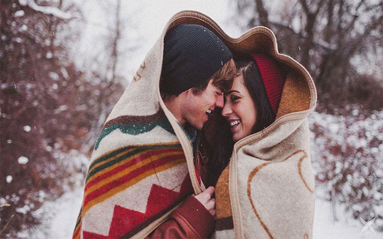 Tình yêu khác với cảm giác đam mê và ham muốn nhất thời