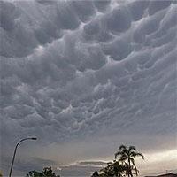 Chiêm ngưỡng đám mây kì lạ xuất hiện trên bầu trời Australia