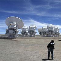 """Các hành tinh lớn đang """"âm thầm"""" hình thành bên ngoài Hệ mặt trời"""