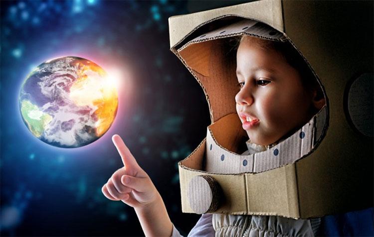 Tất nhiên là với sự phát triển của y học hiện tại, nam nữ không nhất thiết phải ân ái mới có con trên sao Hỏa.