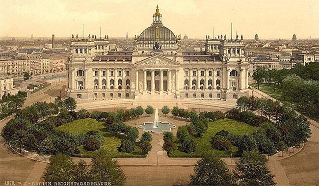 Tòa nhà Reichstag nằm ở Berlin, Đức.