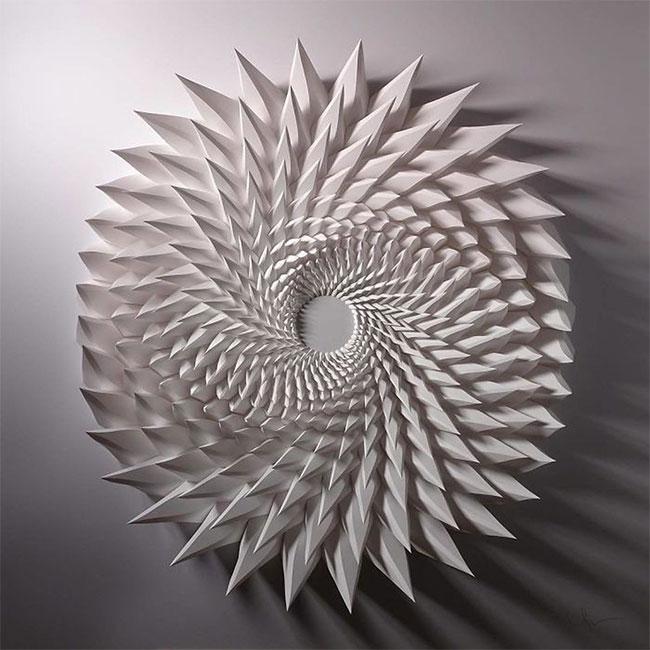 Để làm ra những tác phẩm thế này, Shlian kết hợp nghệ thuật và công nghệ