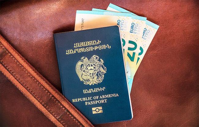 Hầu hết mọi người muốn một quốc tịch thứ 2 chỉ là để thuận lợi hơn khi di chuyển thôi.