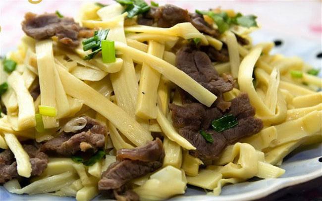 Măng được thêm vào các món ăn mà không tăng thêm chất béo cũng như lượng calo nạp vào cơ thể.