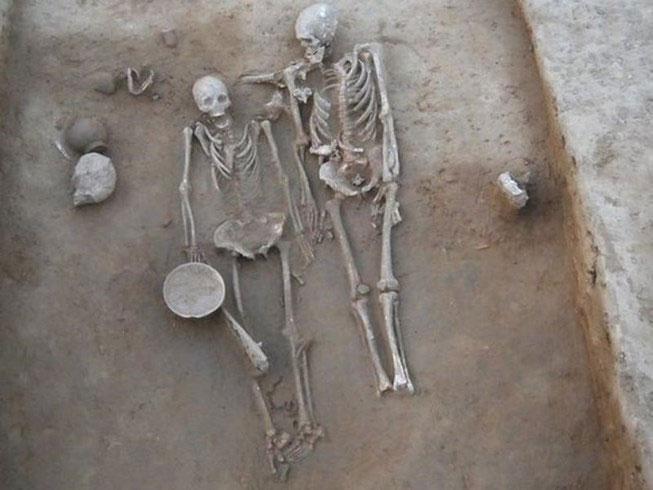 Hai bộ xương bí ẩn hấp dẫn giới khoa học và khảo cổ.