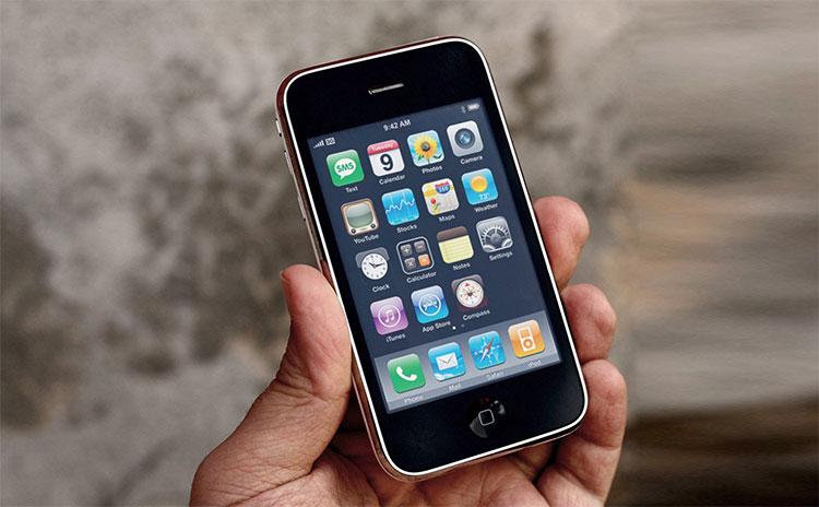 Điện thoại đầu tiên có app store