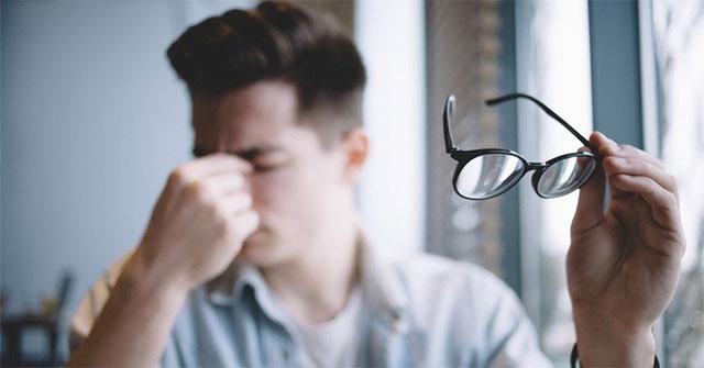 Sức khỏe đời sống-Sửa ngay những thói quen nhiều người hay mắc phải nếu không muốn mắt lên độ nhanh