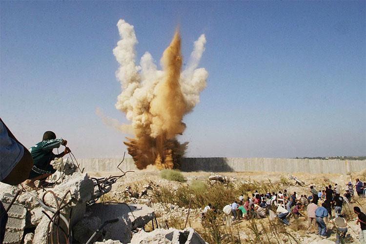Bức tường ngăn cách thị trấn phía nam Dải Gaza và Ai Cập