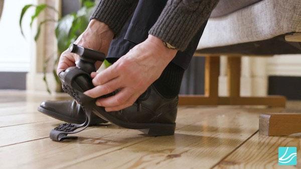 Khi đi giày laser, số cơn đông cứng bước đi của bệnh nhân Parkinson giảm 46%.