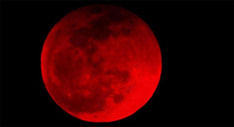 Siêu trăng máu là hiện tượng hiếm gặp.