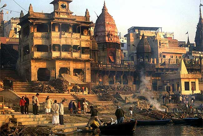 """Sông Ganga (sông Hằng) cũng là một """"nghĩa trang"""" của người Ấn Độ"""