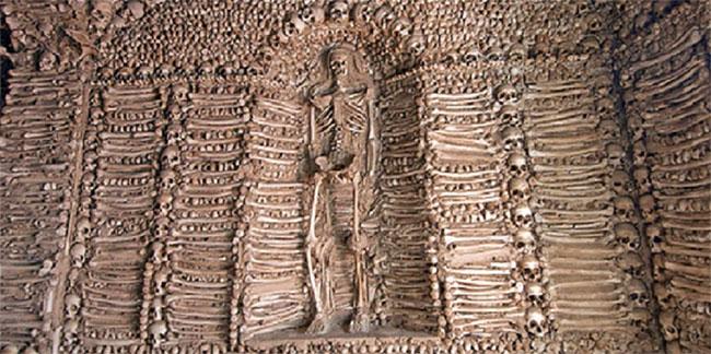 Nhà nguyện bằng xương ở Bồ Đào Nha là một địa điểm khiến bạn thấy lạnh sống lưng.