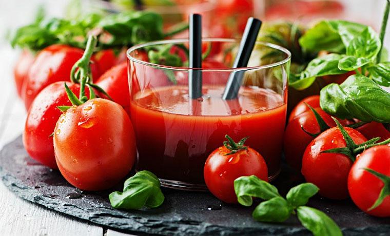 Cà chua giàu vitamin C, giúp cơ thể dễ dàng hấp thu các chất sắt.
