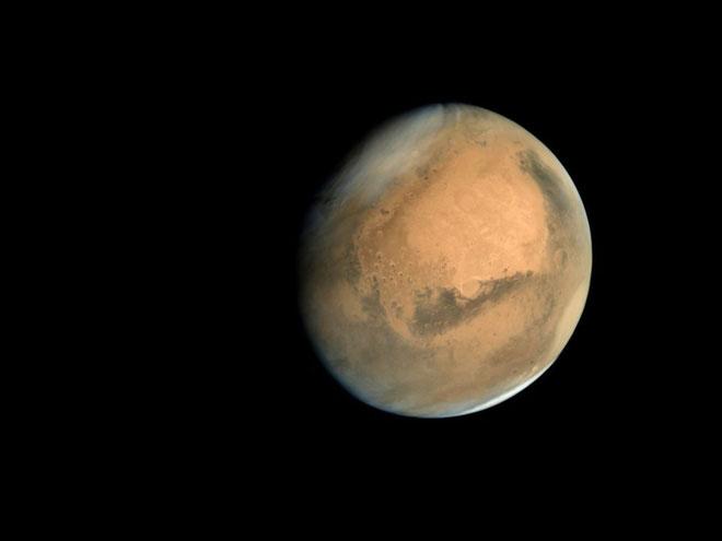 Sao Hỏa sẽ là điểm đến đầu tiên ta nghĩ tới.