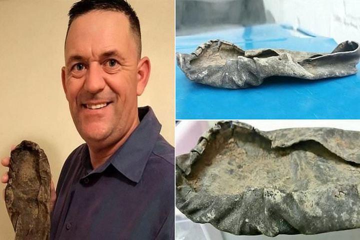 Giày cổ của người Viking được phát hiện bởi nhà khảo cổ Steve Tomlinson.