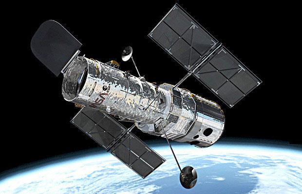 Kính viễn vọng nổi tiếng Hubble suýt chút nữa trở thành công cụ do thám quân sự.