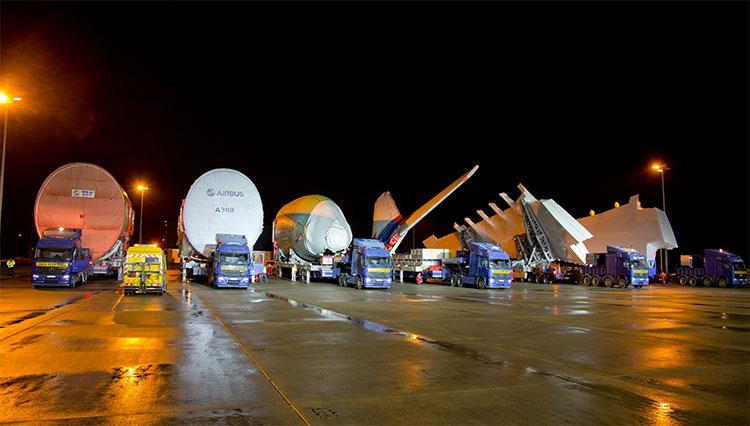 Đoàn xe tải chở 6 bộ phận chính của Airbus A380.