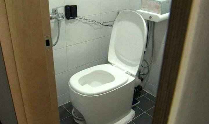 Ưu điểm của loại toilet này là khả năng tiết kiệm nước khi xả.