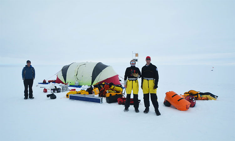 Nghiên cứu sinh làm việc tại Nam Cực