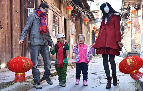 Tại Trung Quốc, một tuần trước Tết, người đàn ông trong gia đình sẽ phải làm gì?